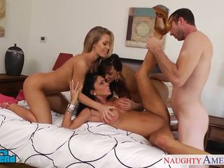 Sexy girls jessica jaymes, lisa ann and nicole aniston