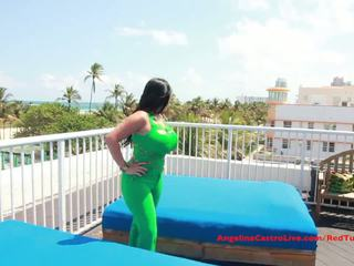 Groß titted angelina castro fucks auf rooftop?