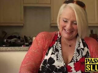Britský zralý blondýnka babičky carol fingers ji mokrý kočička