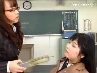 fun japanese, more pissing fun, new schoolgirl
