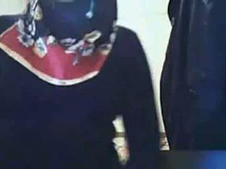 Videó - hijab lány bemutató segg tovább webkamera