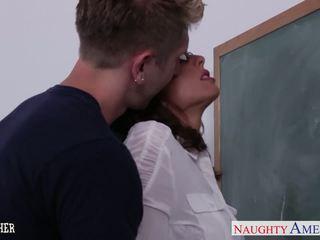 milfs neuken, nominale gezichtsbehandelingen neuken, ideaal lingerie thumbnail
