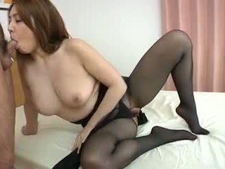 Yumi kazama - krásne japonské milfka