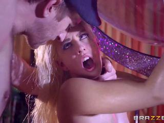 Brazzers - סקסי stripper jessie volt אהבה ענק זין.