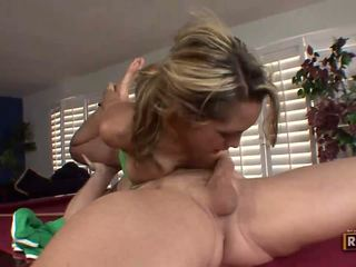 Halia hill getting banged edasi the billiard tabel