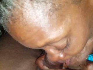 Hood おばあちゃん: 精液 swallowing 高解像度の ポルノの ビデオ 36