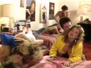 group sex, évjárat, pornósztárok, szőrös