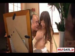 Japonské nadržané starý otec v zákon