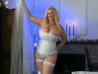 Phụ nữ đẹp lớn 38g đám cưới đêm