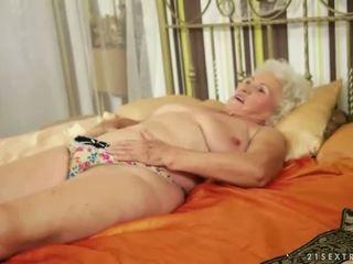 Lusty grandmas compilação