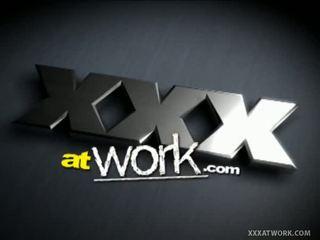 Xxx bij werk: cutie kasey als secretaresse quickie seks met coworker