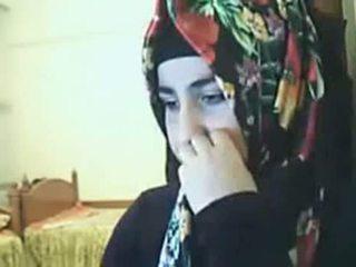 Hijab ragazza mostra culo su webcam arab sesso canale