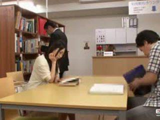 Палав японки students прецака в на библиотека