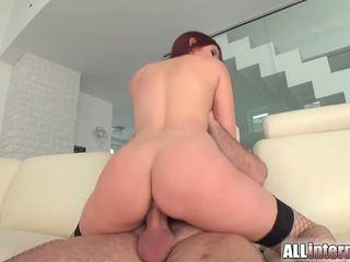 Mira is een lang chick die loves seks. ze gets haar poesje pounded en filled met sperma.