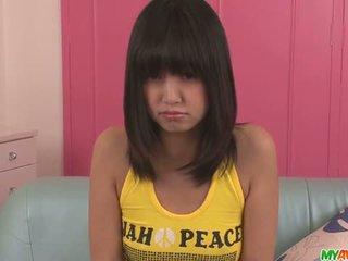 Kotomi asakura nastolatka azjatyckie gives blowjobs w a trójkąt