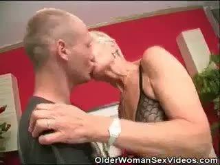Dentures i blowjobs babcia