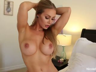 Nicole aniston uses her sik üçin oýnawaç on a hard sik