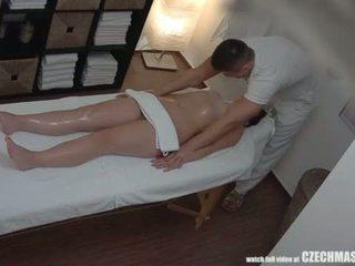 To ass cậu bé tóc nâu getting tốt nhất massage luôn luôn <span class=duration>- 7 min</span>