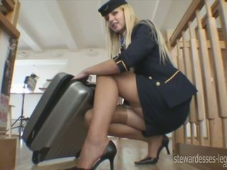 Leggy stjuardesë erica