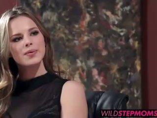 Abbey brooks accompanies tema stepdaughter kuni a töö intervjuu