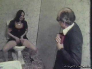 Seks / persetubuhan onto yang washroom lantai