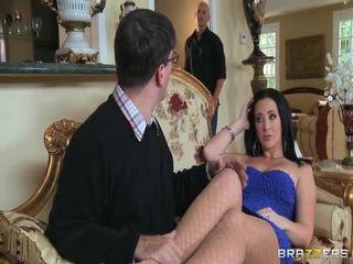 ruskeaverikkö, hardcore sex, blow job