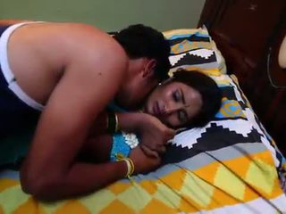 Indiano casalinga storia d'amore con newly sposato bachelor - midnight masala filmati -