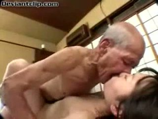Poor jepang murid wedok fucked by old fart