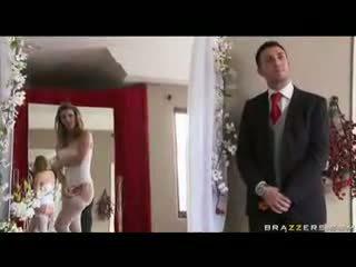 Sexy bruid zuigen een groot lul