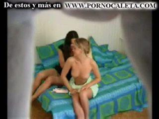 Camara oculta 一 mi hermana y su amiga parte 1 wwwpornocal