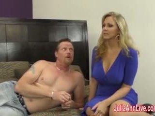 बस्टी मिल्फ julia ann jacks इसे बंद साथ fake पुसी!