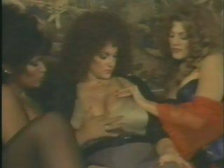 big boobs, milfs, model tahun