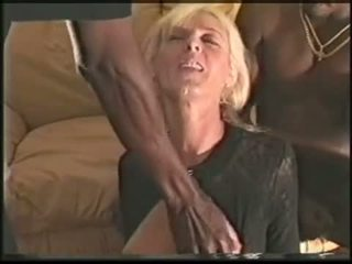 Vyzreté swinger manželka loves čierne cocks video