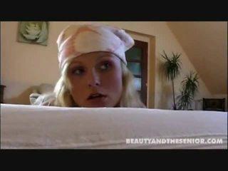 Trágár takarítás hölgy