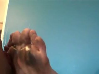 Reged soles cleaner