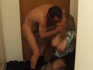 Pechugona francesa madura en profundo anal joder