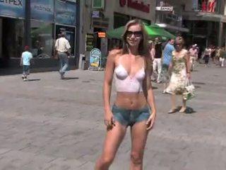 Susanna spears body-art kails meitene uz publisks