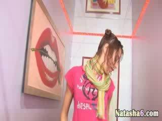 Nackt blackhair im disco klub