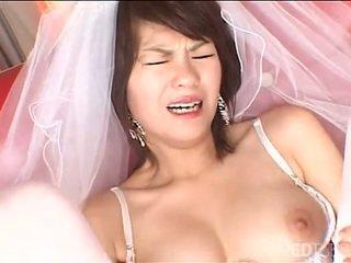 Solo japonesa noiva masturbates
