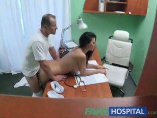 Fakehospital dottore fucks porno attrice oltre scrivania in privato clinic