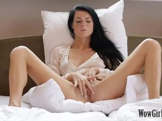 Ado noir haired nana margot masturbates son trimmed twat