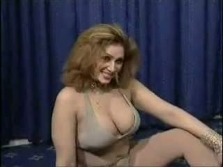 gros seins, arabs, trentenaire