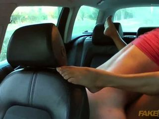 Fraud driver fucked this slutty amateur