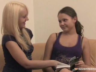 Loving lesbiyan teenages