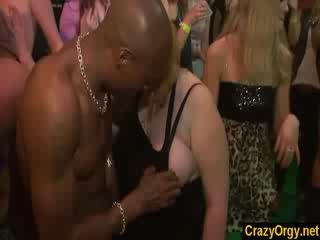 Cseh kisérőnő lányok fasz male strippers tovább partyroughcore buli