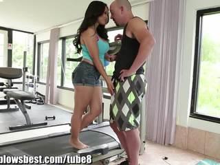Καυτά μαμά jessica bangkok είναι blowing αυτήν νέος trainer!