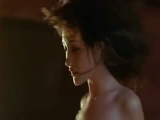 Maggie q - kails weapon