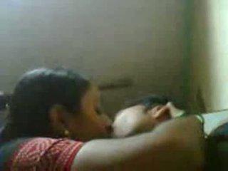 Zdradzające desi żona z jej bf w restaurant