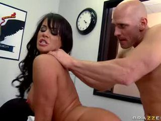 SavAnnah Stern Makes A Good Bend And Gets Fucked The Way She Always Enfuned It
