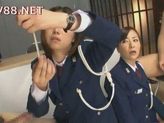 日本語 female 刑務所 guards ファック 彼らの inmates